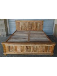 Postel Devi 180x200 z mangového dřeva